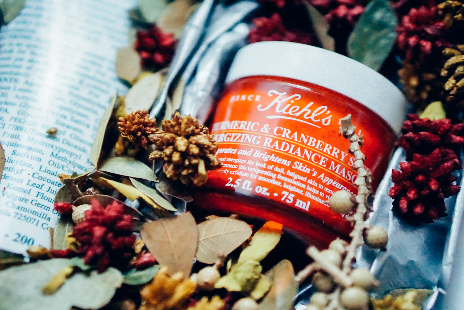 Mặt nạ Kiehls Turmeric & Cranberry Seed Energizing Radiance Masque