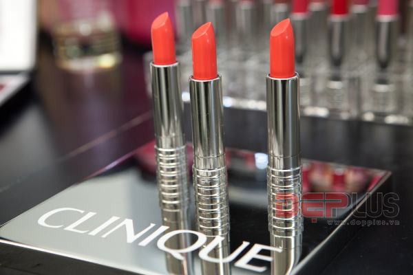 Son Clinique Long Last lipstick