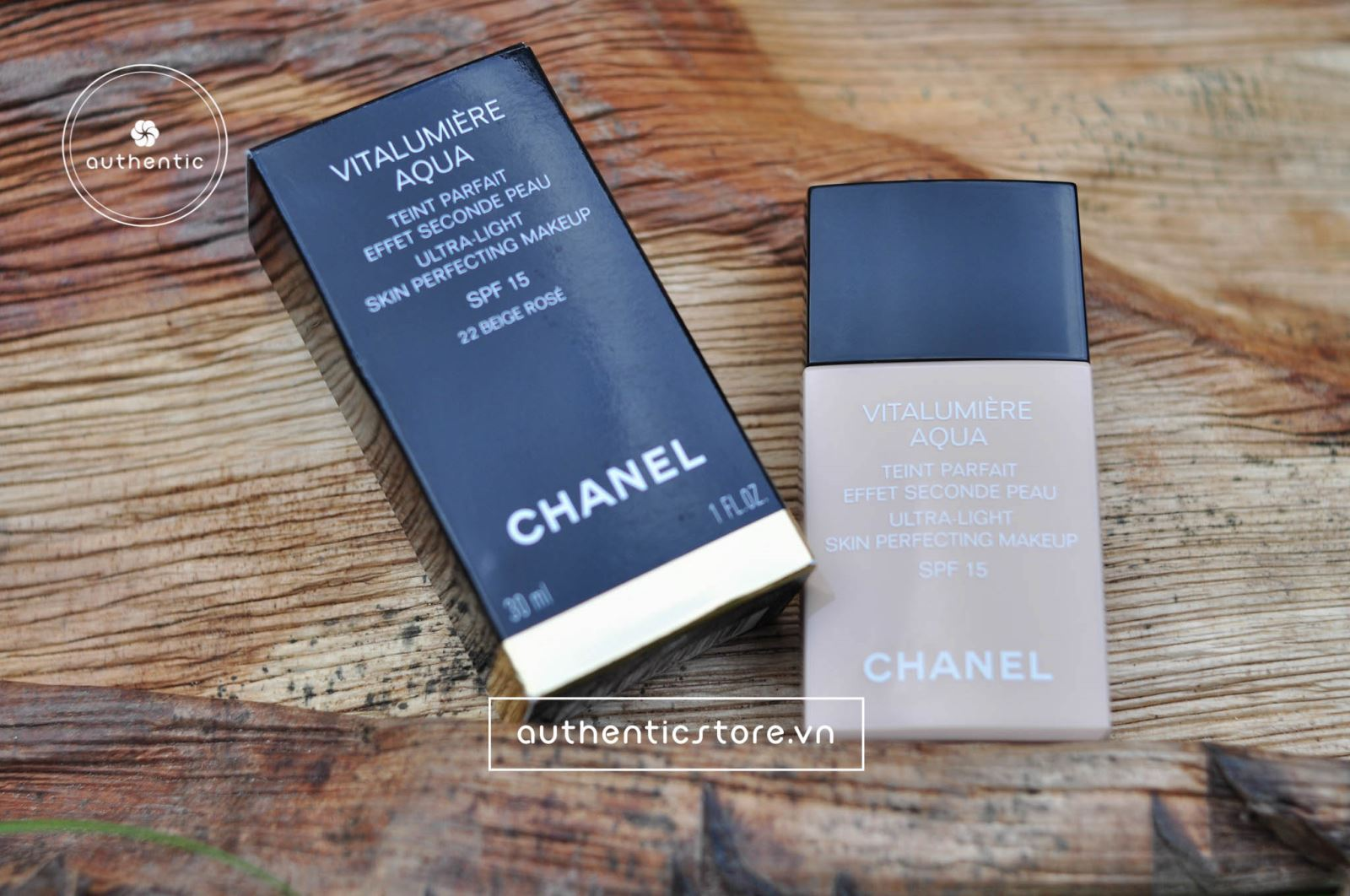 Kem nền Chanel Perfection Lumiere Velvet SPF 15