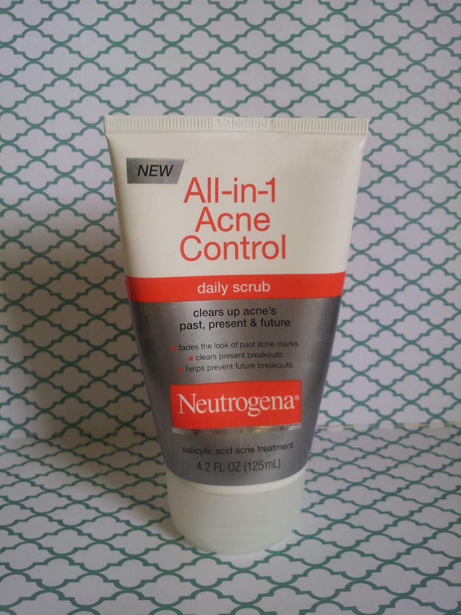 Neutrogena All-in-1 Acne Kiểm soát Daily Scrub