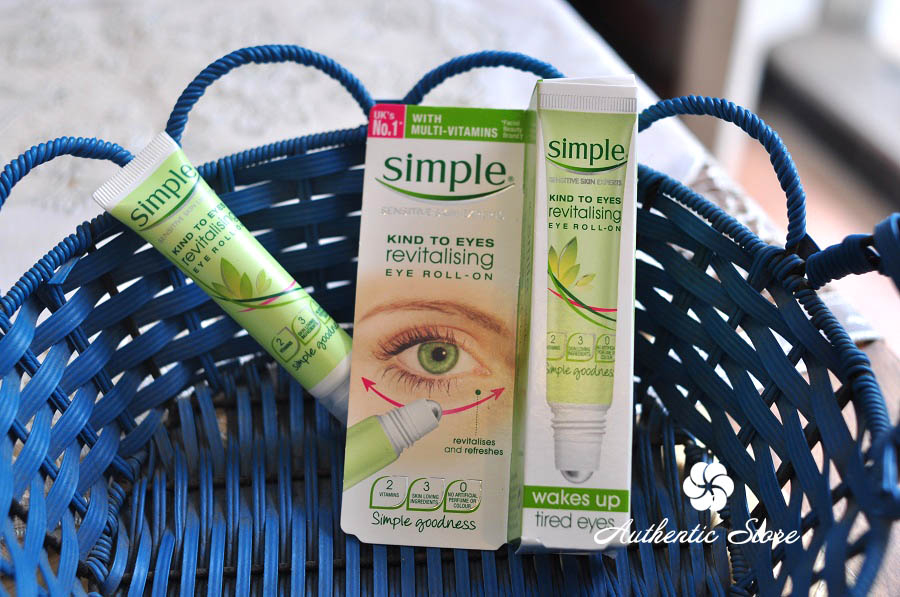 Kem dưỡng mắt Simple Kind To Eyes Revitalising Eye Roll-On