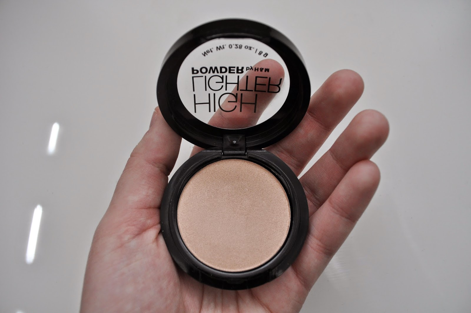 Highlighter powder by H&M
