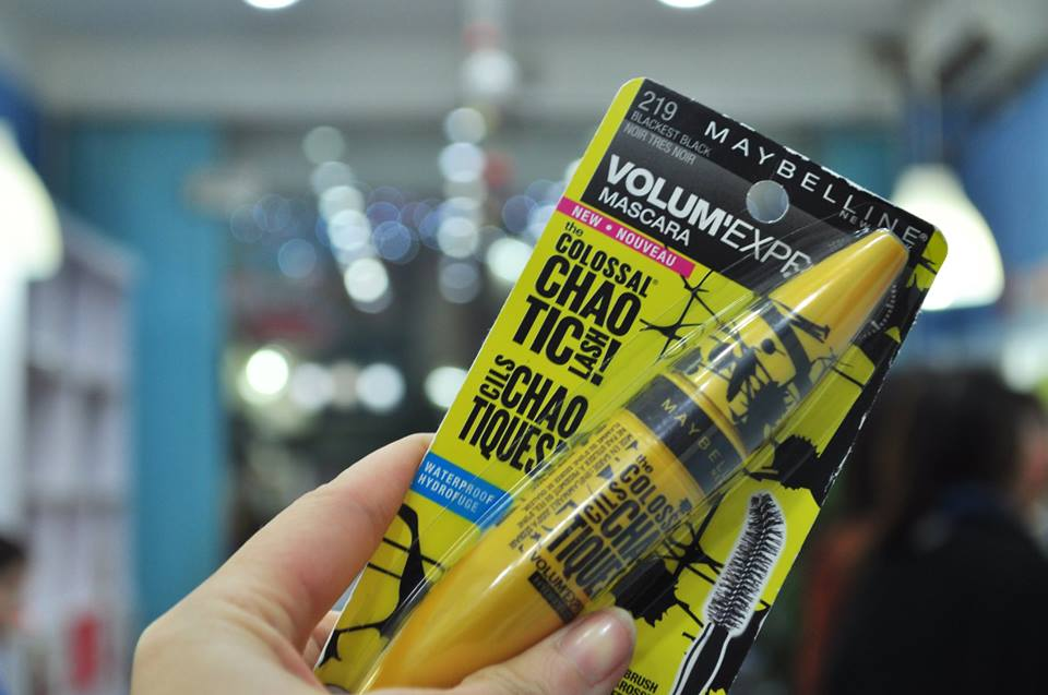 Mascara Maybelline Volum'Express The Colossal Chao Tic Lash